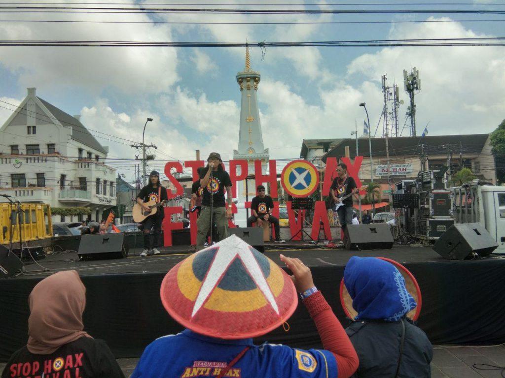 Anita Wahid Presidium Mafindo dalam acara Festival Stop Hoax di Tugu Jogja