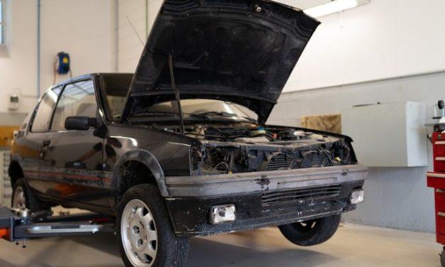 Restorasi Mobil Legenda Peugeot 205 GTi